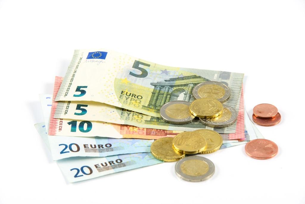 Kiedy trzeba, a kiedy warto być płatnikiem VAT?
